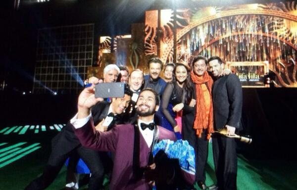 Take that @TheEllenShow !!! @KevinSpacey & @AnilKapoor famous #selfie at @IIFA awards show! #iifa http://t.co/4SNtKCa7k8