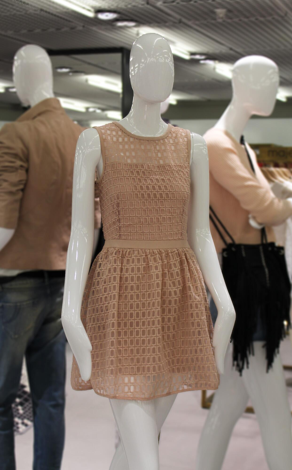 Good morning. Neutral but nice… We simply adore this magnificent @MajeOfficiel dress. What do you think? #FashionLab http://t.co/4a0dhG3tVC