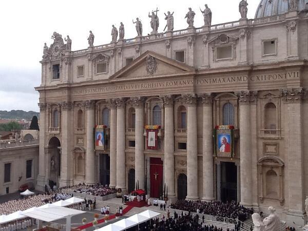 Two new saints for the Catholic Church: Saint John XXIII and Saint John Paul II pray for us! http://t.co/zDKdL0HlsI