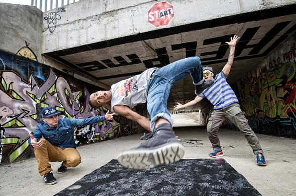 GET DOWN. The @redbullbcone Philadelphia Cypher is approaching. May 31st, 3PM at SkyBox. Mark your calendars. http://t.co/K4sCCUZQAo