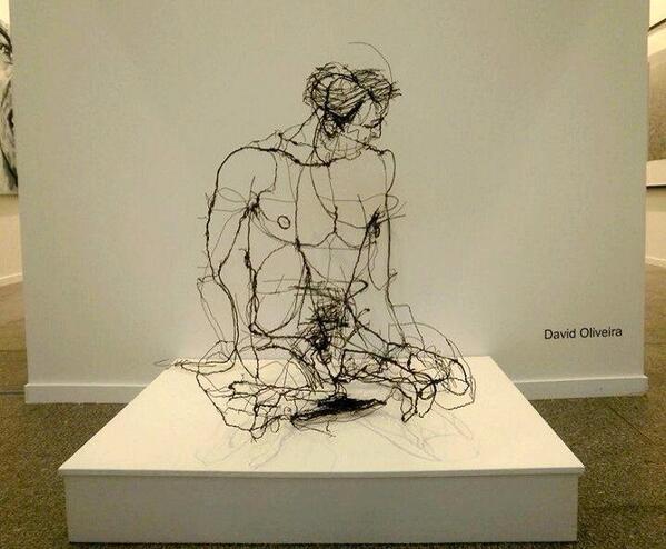 Quand la vie ne tient qu'à un fil... Un homme puissant, sensuel et fragile. http://t.co/PAU3HRk0gO