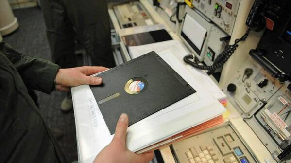 One of the computers that would receive a nuclear missile launch order from the President still uses big floppy disks http://t.co/6SOZ8AExUp