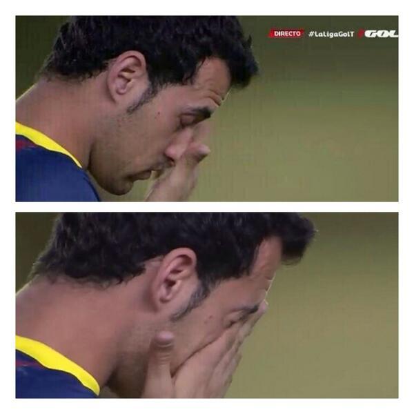 BmQB90MIIAAaq7j Barcelonas Sergio Busquets cried during minute silence for Tito Vilanova before Villarreal game [Video]
