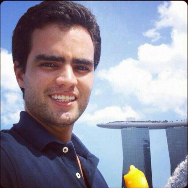 AYÚDANOS: Desapareció anoche en Medellín Manuel Santiago Alvarez Zuluaga después de dejar Discoteca Canahuate. RT pls http://t.co/B2cVBaq8S6