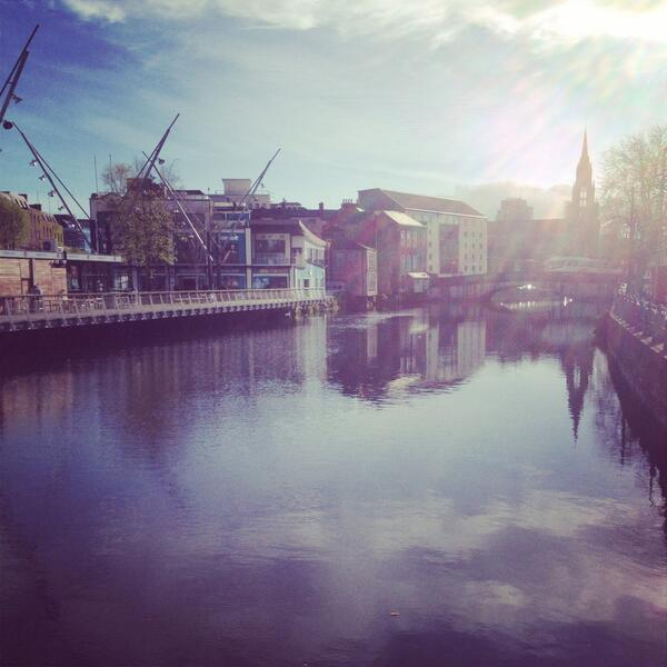 It's an absolutely stunning morning in Cork, more of this please! http://t.co/sGzzP1hspn