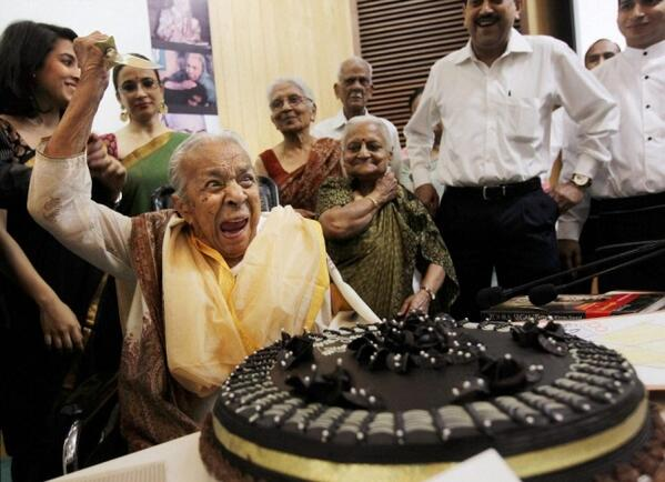 Yesterday was Zohra Sehgal's 102nd birthday, star of the greatest cake cutting photo ever taken http://t.co/hP3RMMhRcF
