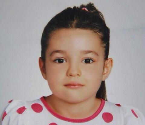 """İyi bakın """"@mbadras: Gizem 6 yaşında. Dün 12'den beri kayıp. Adana-Seyhan'da oturuyor.Gören lütfen polise bildirsin. http://t.co/rT3cZ11EHE"""""""