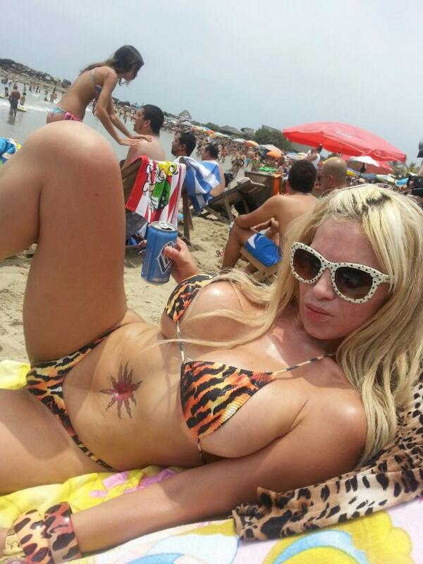 Kandy strauss. (@kandy_strauss): Ayer en la playa http://t.co/gheC45uxxq