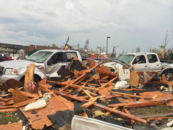 PICTURE: Massive damage from earlier #tornado in Tupelo, #MS as seen via @jayward11  http://t.co/BTL9R5uNVD   http://t.co/tCf9tDwNTB #mswx