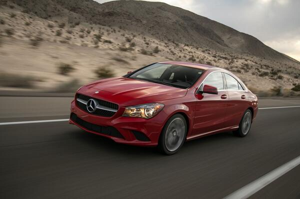 The 2014 @MBUSA CLA250 arrives to shake up the entry-level luxury segment: http://t.co/9R4WPAev09 #Mercedes http://t.co/EF7dscpuuM