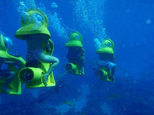 How many of you would do this underwater mini sub ride in Bahamas? http://t.co/YE3z6LOkf5