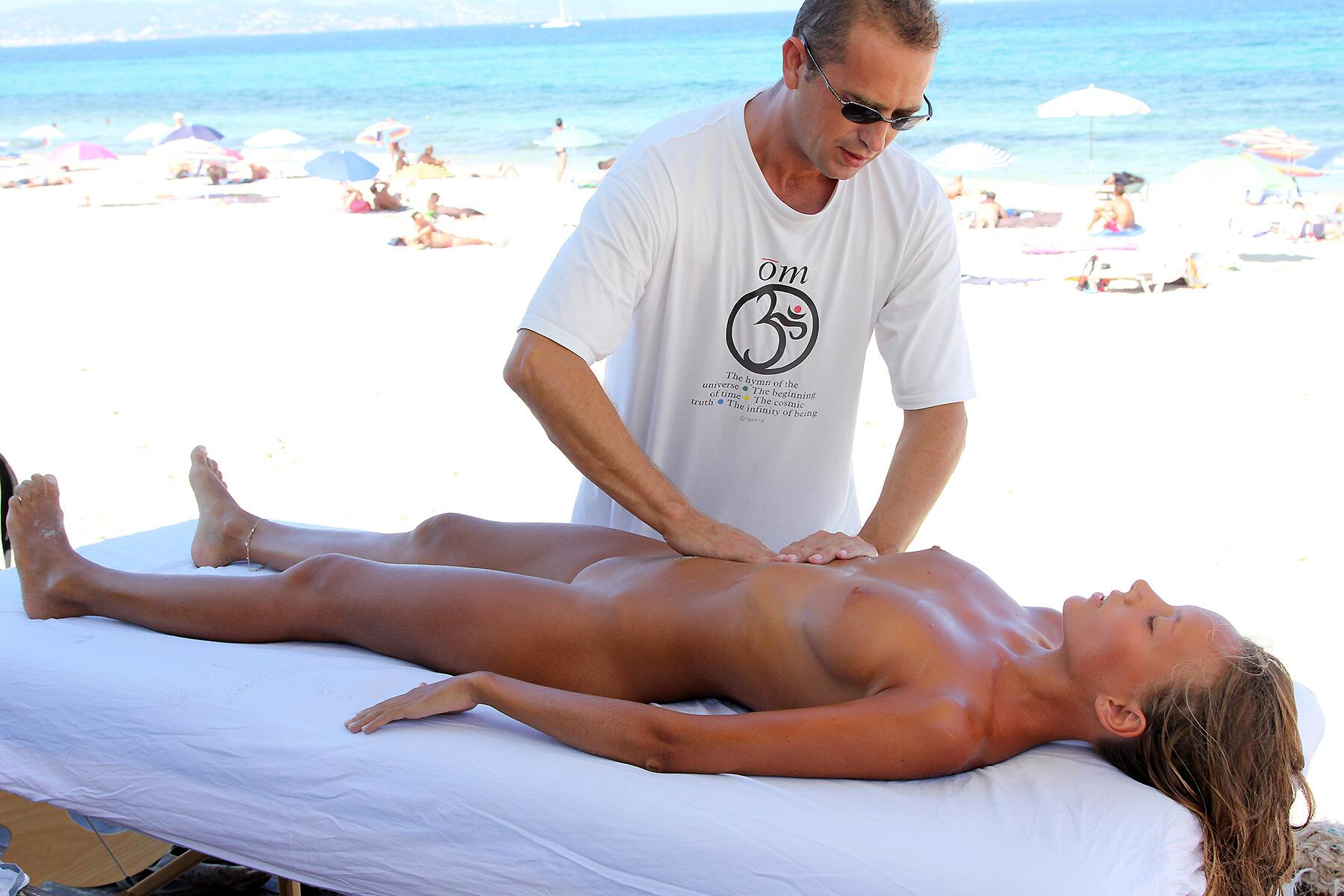 massage on nudist beach