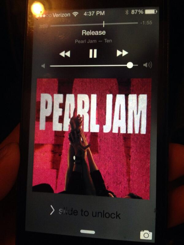 playing @PearlJam Release me at the restaurant for release day!!! http://t.co/x1bo35nNRI