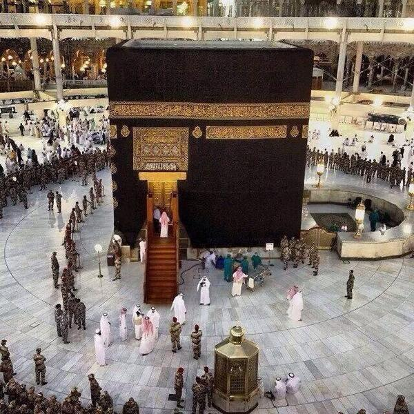 Oh Allah!! Please give me a chance to see your Beautiful House http://t.co/NaN20wOj9b