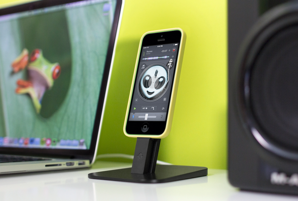 Twitter Exclusive. Officially launching tomorrow, our new HiRise for iPhone in Black http://t.co/9Nhk9GGMZv http://t.co/YASu9IOvxC