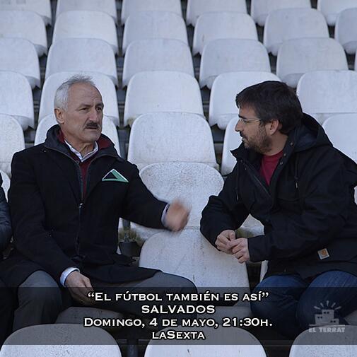 """""""El fútbol es el secuestro más grande de la emoción humana"""". Domingo en @salvadostv http://t.co/pekqbYjVO6 http://t.co/wqEUVYxGXi"""