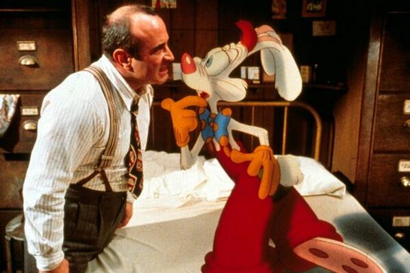 Sad to hear that Bob Hoskins has died. One of my favourite movie tough guys ... and of course this. http://t.co/cH7ki2aNam