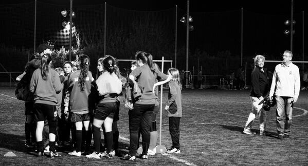 """El domingo estrenamos repor sobre """"Fútbol femenino"""", mira ya el avance http://t.co/5nKBH9ckkP http://t.co/rfyU7xiltA"""