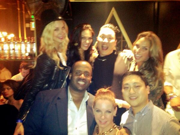 Happy Birthday to my amazing big brother @KennyHamilton!! Family reunion soon to celebrate @SabinaGadecki @yael