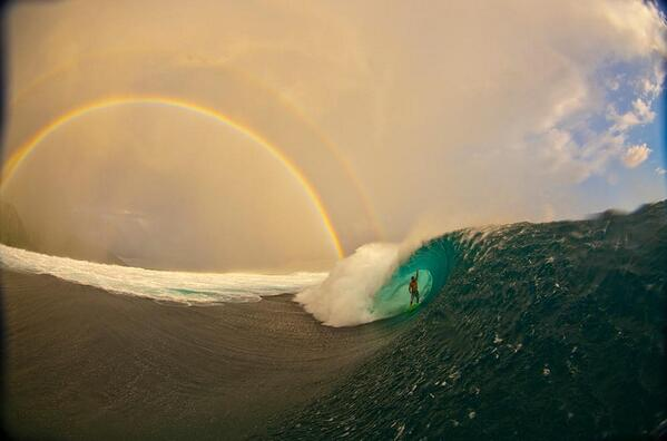 Some absolutely stellar imagery from @SURFER_Magazine photographer @@ZakNoyle http://t.co/Jm487kpgxW http://t.co/rVvRzu7kxr