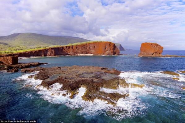 #Hawaii Sweetheart Rock in Lanai photographed using a remote-controlled hexacopter @ Jon Cornforth http://t.co/u0tNlehUh8