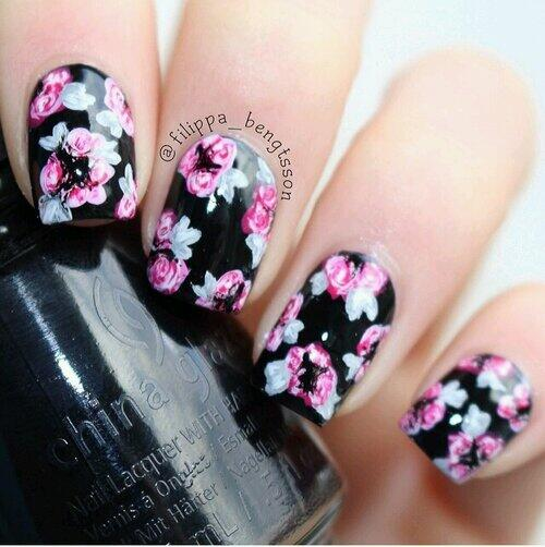 Flower nails #1 #helloMay http://t.co/LZKg4rZOiY