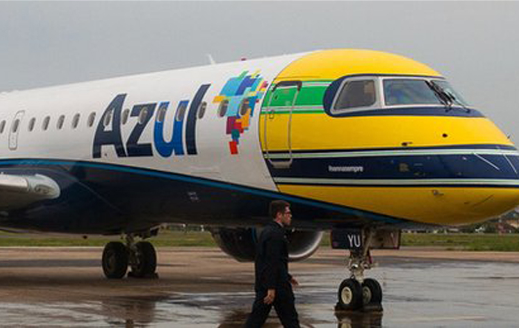 Even Brazilian planes are adorned with Senna tributes today http://t.co/XIGarXs8b5 http://t.co/054WLvyb5L