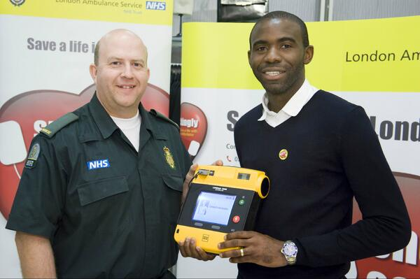 This am, @fmuamba with the paramedic who saved his life, Pete Fisher #shockinglyeasy http://t.co/J0LC2v2jta