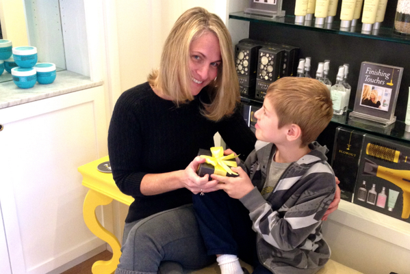 Best mother's day gift ever! A pack 12 Blow-Out from @theDrybar Yes! Get one for your mom or wife now! http://t.co/tuOUx5Dr0c