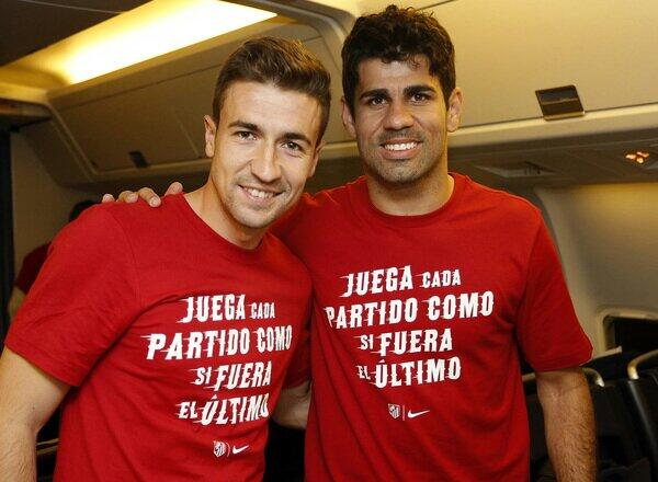 BmjBkwBIIAENFTQ Atletico Madrid players wear T Shirts bearing Diego Simeones Motto: Play every game like it was your last
