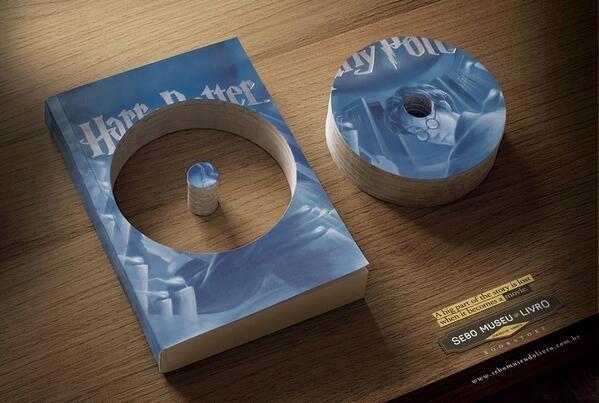 Campanha literária ilustra o quanto de conteúdo um livro perde quando é adaptado para o cinema. http://t.co/rVJEZ8ZT0k