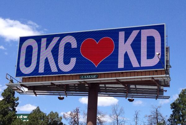We love you @KDTrey5! http://t.co/iwAJj3dl97