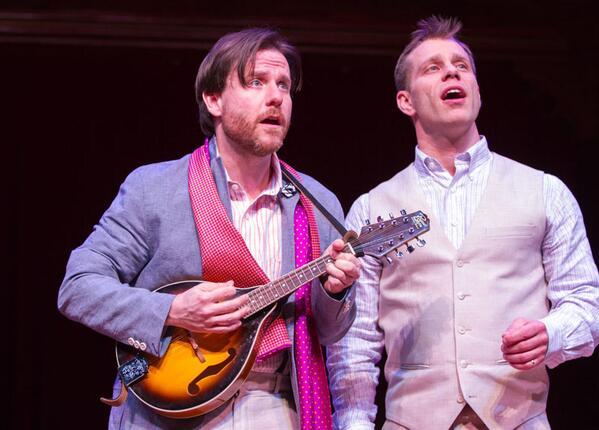 Hey, it's RSC alum Noah Brody! MT @FolgerLibrary: Serenading the lady in Two Gentlemen of Verona. #Folger2Gents http://t.co/e8h0EN2QsA