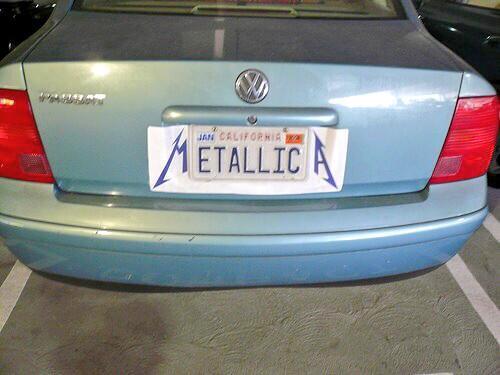海外の希望ナンバーはこんな裏技があるのね!w  #メタリカ #車 #ナンバー http://t.co/VnnER4EPS1