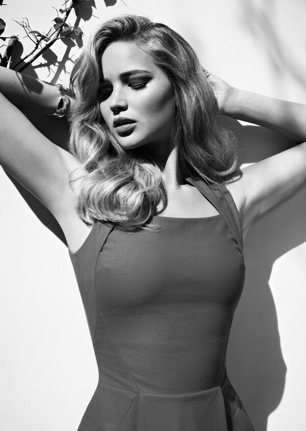 Британский журнал FHM назвал Дженнифер Лоуренс самой сексуальной женщиной в мире. http://t.co/0BnbvEqYeN