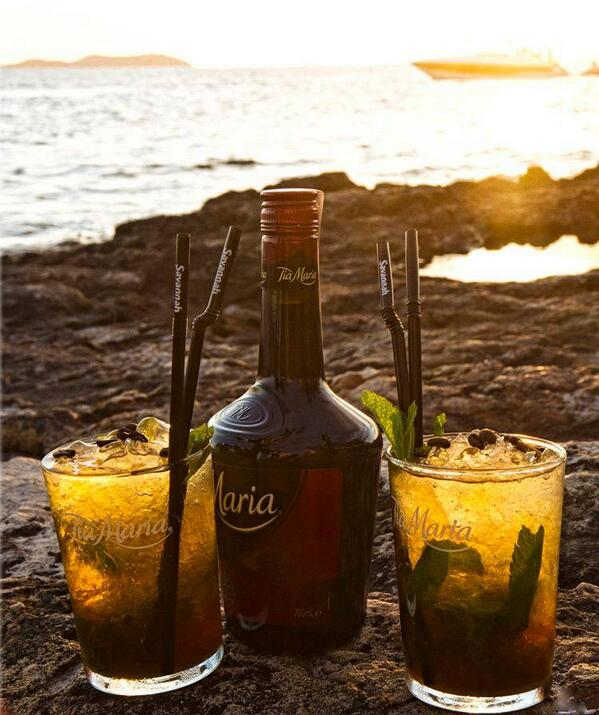 Follow @tiamariadrink and RT for a chance to #win a couple of #TiaMaria glasses. #TGIF #competition #giveaway http://t.co/Sp3rp5mH0S
