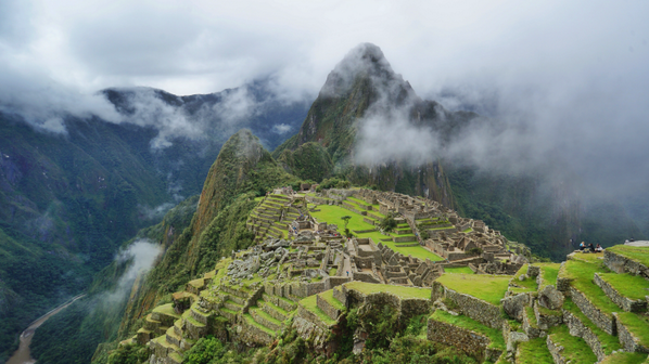 *climbs final stair*  BEHOLD.  *catches breath*  MACHU PICCHU.  *passes out* http://t.co/pptzEyJvqN