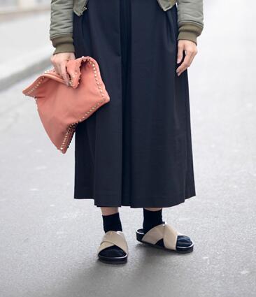 Cangrejeras, sandalias de misionero, tacón cómodo... Mañana, pasos sensatos en S Moda http://t.co/6hzqRD100u