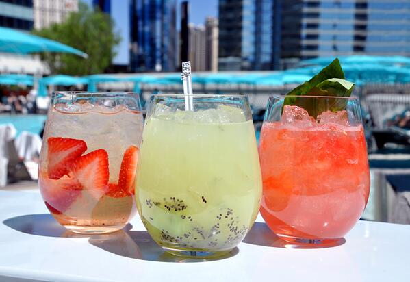 Pool & Lounge Vdara's season begins with great food & drink specials available all weekend! http://t.co/CPvygRRhX5 http://t.co/epc0YL4Baj