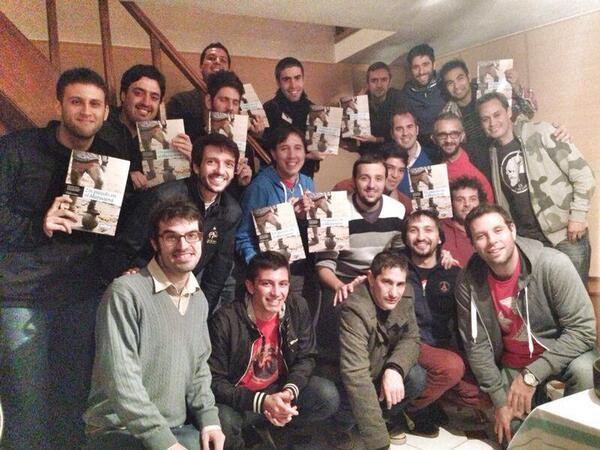 Gran juntada con los compañeros de #UnPicadoEnElMaracaná. Celebramos y planificamos cómo hacer para que llegue a vos. http://t.co/R1SlSHOISv