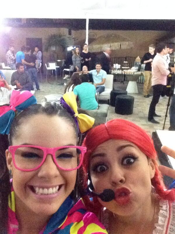 Maruca (@MarucaGalindo): Traguajando @orata_loka y yooo :) http://t.co/hkdphNKQWI
