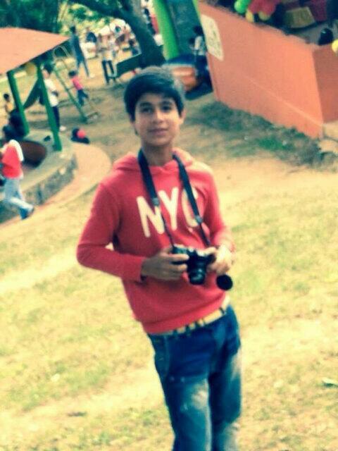 """Sin comentarios """"Libertad para Androw Angulo 14 años preso Catia el 26 abril detenido en Chacao"""" http://t.co/wLxw76F1CM"""