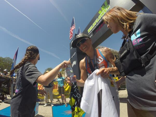 HAT TRICK! @hjacksonracing takes her third win in a row at #WildflowerTri! @GoPro @Herbalife24 http://t.co/HNOoJzodAl