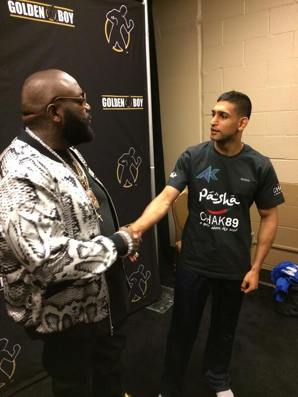 Huge boxing fan @rickyrozay comes to say hello @AmirKingKhan @harrykingkhan http://t.co/mOnSoj3ynX