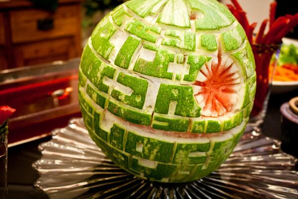 """""""That's no moon..."""" #FruitNinja #StarWarsDay http://t.co/stA8mA3Mgw"""