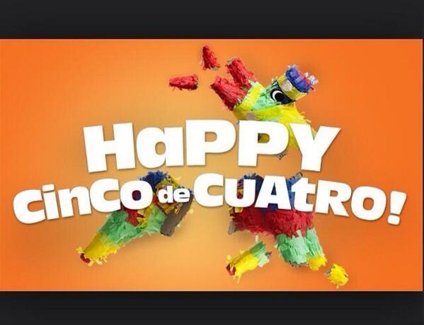 ¡Feliz Cinco de Cuatro! #CincoDeCuatro #ArrestedDevelopment http://t.co/rWxzZL8TUb