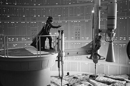 El detrás de cámaras de una de las escenas míticas y más recordadas de Star Wars #StarWarsDay http://t.co/M24dGX65pU