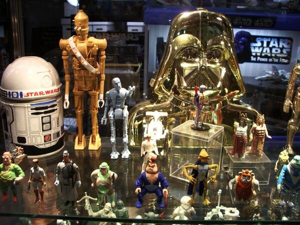 Rarest of the rare from @RanchoObiWan's collection. #StarWarsDay http://t.co/le1kvqj4Qb