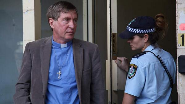 Christian priests, nuns evicted from PM's office after staging a sit-in. http://t.co/ueCGJb7Jaj #auspol http://t.co/iLnNbK5VcS