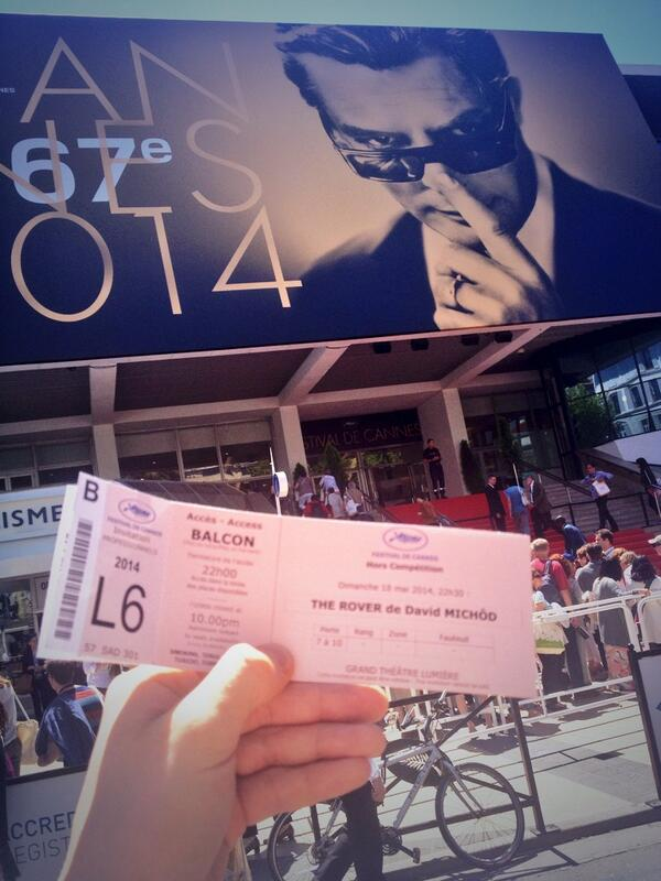 Snagged a ticket @TheRoverMovie #CannesFilmFestival premiere! My first red carpet of #Cannes2014 #RobertPattinson http://t.co/GAG6v2SBMQ